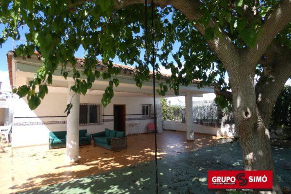 CHALET RUSTICO Y AMPLIO EN BUENA ZONA DEL MARENY BLAU – Ref. ER-441